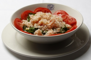Crabmeat with Rocket Salad and Tomato