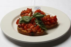 Toasted Bread with Tomato, Basil and Oregano